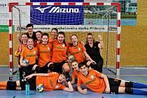 družstvo házenkářských nadějí z Rokycan vedl v Příbrami trenérský tandem Sixtová, Krýnerová. Naši vyslanci obsadili na turnaji sedmi týmů skvělé druhé místo.