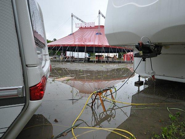 Cirkus vRokycanech se ocitl pod vodou