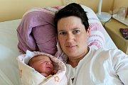 LUCIE VESELÁ z Oseka si pro svůj příchod na svět vybrala datum 28. dubna. Přišla na svět v 15:05 hodin. Manželé Edita a Petr věděli dopředu, že jim k prvorozené dceři Michaelce (22 měsíců) přibude druhá malá slečna. Míry 3340 gramů a 47 cm.