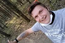Kromě fotbalu Jan studuje hotelovou školu v Plzni, kde momentálně absolvuje povinné praxe. Při aktuálních opatřeních musí nosit roušky a dodržovat požadované rozestupy. Je v posledním ročníku, tudíž ho příští léto čekají závěrečné zkoušky. V budoucnu je j