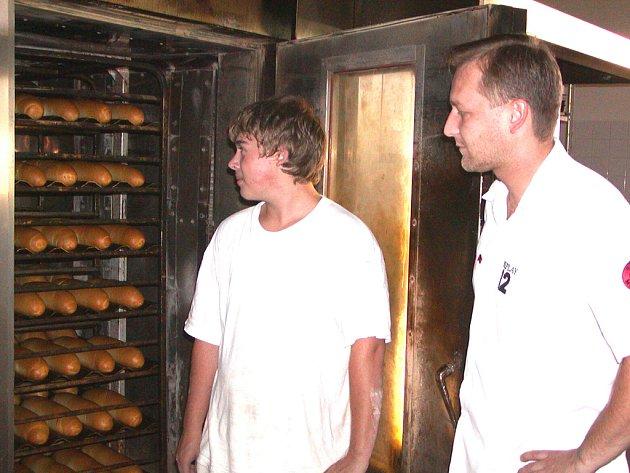 Rokycanské pekařství Frídel zdraží své výrobky o pět až deset procent. Důvodem je stále rostoucí cena obilí.