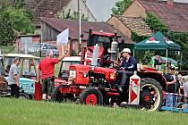 Závody traktorů, fréz i speciálů