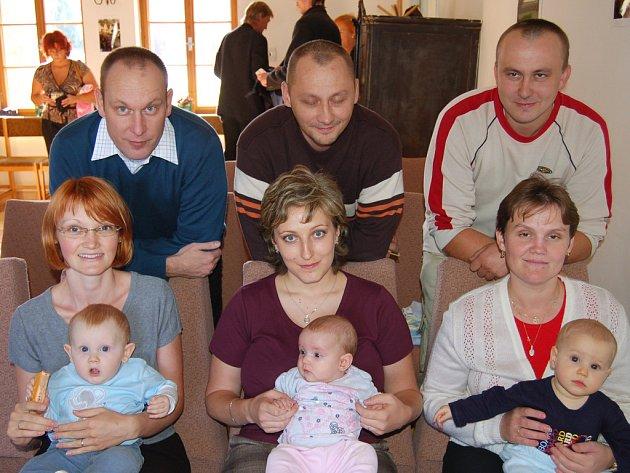 V obřadní síni ejpovického úřadu se odehrálo vítání nedávno narozených dětí.