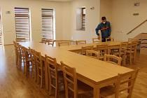 Nově zrekonstruovaný sál v Přívěticích