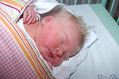 Posledním letošním miminkem pak byla Frederika NOVÁKOVÁ z Mariánských Lázní. Ta přišla na svět 31. 12. v 16 hodin a 40 minut. Maminka Kateřina a tatínek David, který byl u porodu pomáhat, se nechali pohlavím svého prvního dítěte překvapit až na porodní sá