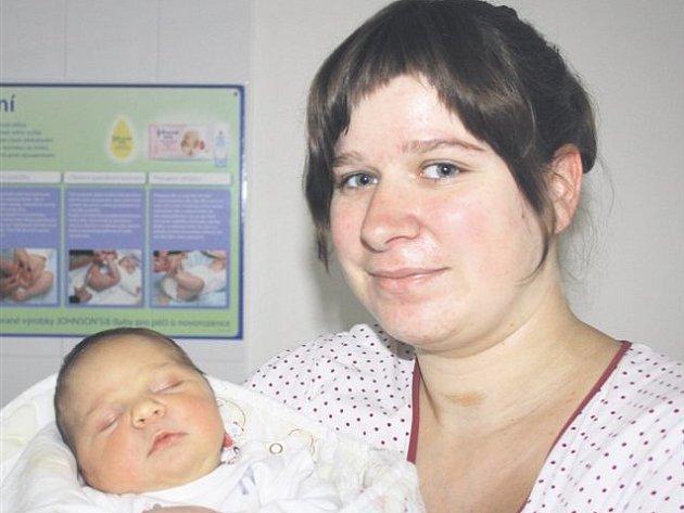 Markéta ALBRECHTOVÁ z Borovna si poprvé zakřičela na sále rokycanské porodnice 21. října. Narodila se ve 20 hodin a 36 minut. Maminka Michaela věděla dopředu, že její první dítě bude holčička. Markétka přišla na svět s mírami 3850 gramů a 51 cm.