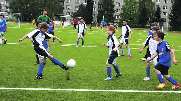 Ve fotbalovém poháru Mc Donald´s Cup, který se včera uskutečnil v Rokycanech, se v rámci skupiny B utkali Strašičtí s žáky ZŠ Čechova. Právě místní nakonec v soutěži vybojovali první místo, Strašice obsadily čtvrtou příčku.