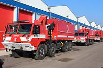 Připravený konvoj odjíždí na Ukrajinu