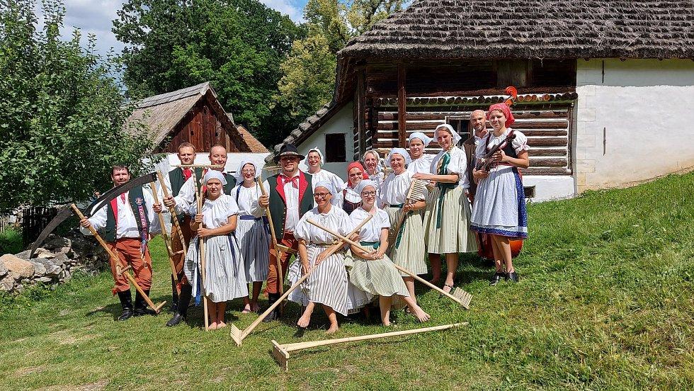 Foklorní soubor Bystřina ze ZliviFoto: Folklorní soubor Bystřina