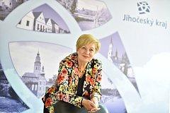 Hejtmanka Jihočeského kraje Ivana Stráská bude v pondělí v rámci tradičního setkání, které pořádá Deník, diskutovat s pozvanými hosty ze sféry podnikatelské, politické i společenské.