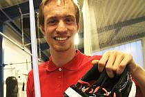Talentovaný sportovec 1. Centra zdravotně postižených Martin Kukla využil prostředky z Kabelkového veletrhu k zakoupení nového oštěpu a atletických treter. V nich vykročí za svým velkým snem. Chce startovat na paralympiádě v Riu.