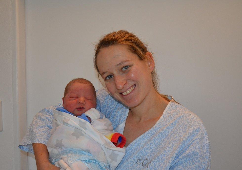 František Marešovský z Vladyčína. Syn Anny a Jakuba Marešovských se narodil 13. 11. 2020 ve 4.36 hodin. Při narození vážil 4050 g a měřil 51 cm. Doma ho čekal bráška Bohuslav (1,5).