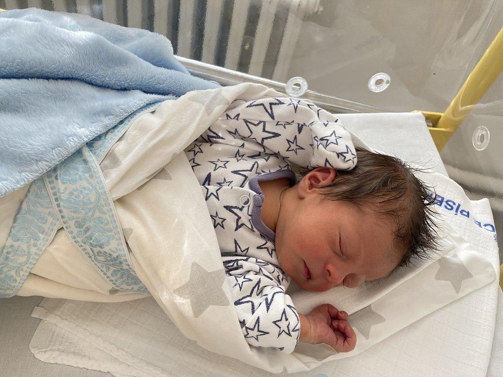 Matyáš Zelenka z Písku. Syn Kateřiny Kristlové a Davida Zelenky se narodil 28. 12. 2020 ve 3.54 hodin. Při narození vážil 2600 g a měřil 47 cm.
