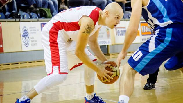 KAPITÁN. Křídlo Jan Pavlík patří k nejzkušenějším basketbalistům Lions.