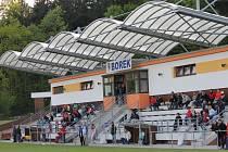 Stadion na Borku by byl ozdobou okresního přeboru, místní fotbalisté ale musí o postup ještě zabojovat: v neděli (17) hostí ve šlágru třetí třídy Chrášťany!