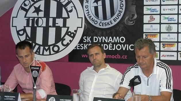 Představitelé Dynama na tiskové besedě před startem I. ligy: zleva Martin Vozábal, Karel Poborský a Luboš Urban.
