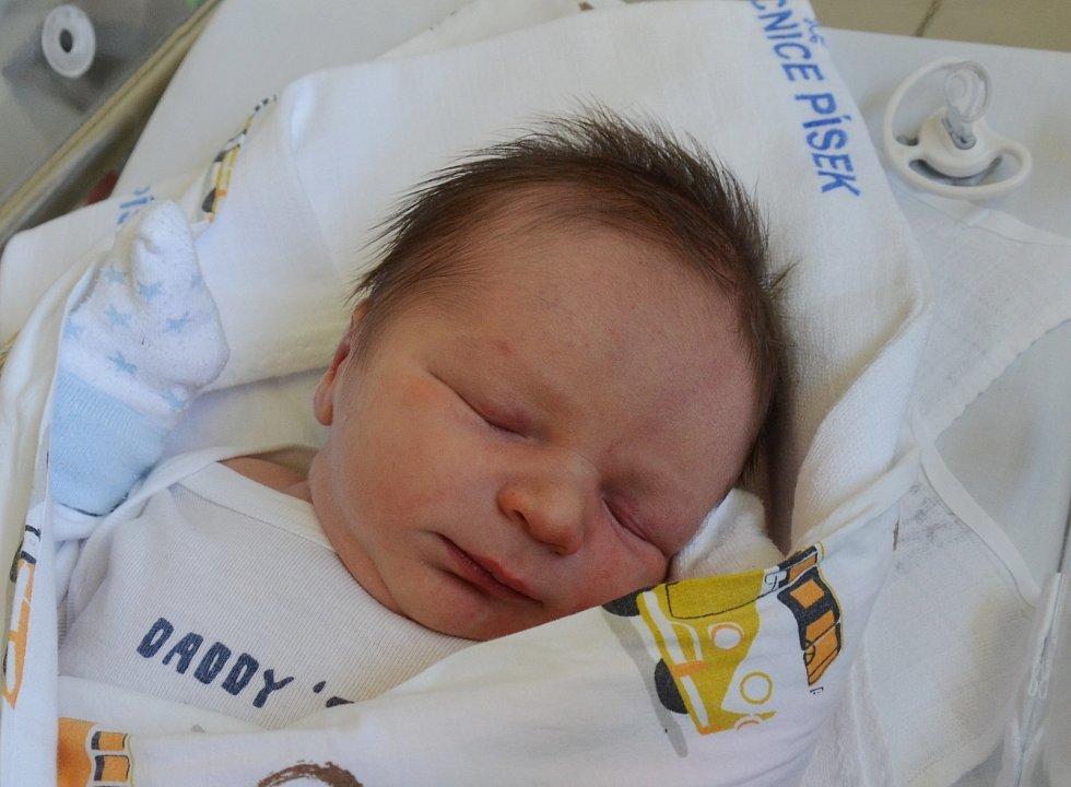 Prvorozeného syna přivítali 4. 7. 2021 na světě rodiče Tereza a Jakub Tomovi. Syn Matyáš Toma se narodil v 8.54 h. a vážil 3,95 kg. Poznávat svět bude v Písku.
