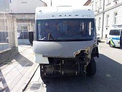 Střet trolejbusu a karavanu v Č. Budějovicích.