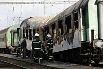 V železniční stanici Dívčice se ráno vznítil vagon rychlíku jedoucího z Českých Budějovic do Prahy.