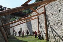 Návštěvníci novohradského hradu se mohou vypravit  do nově zpřístupněného příkopu, který je jedním z nejhlubších v republice. Výška zdí je od 9,5 do 13 metrů a rozloha přes 6200 metrů čtverečních. Podle jihočeských památkářů se jedná o naprostý unikát.