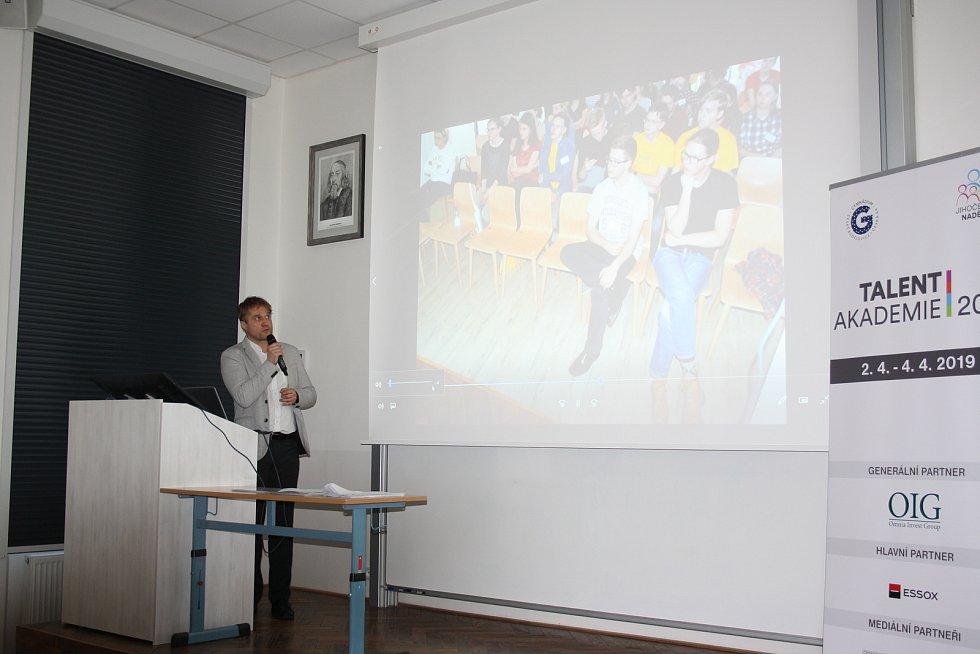 Talent Akademii zakončili studenti jihočeských gymnázií ve čtvrtek setkáním v budějovickém Gymnáziu Česká.