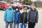 Na návštěvu Miloše  Zemana v Táboře byli zvědaví i školáci z Tábora (zleva) Adam Říha, Jakub Fabián, Matěj Maroušek a Vítek Kosobud, všem shodně 11 let.