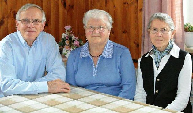 Sourozenci zpívají ve sboru celkem 170let.