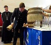 Klášterní pivo Josefům zdarma!