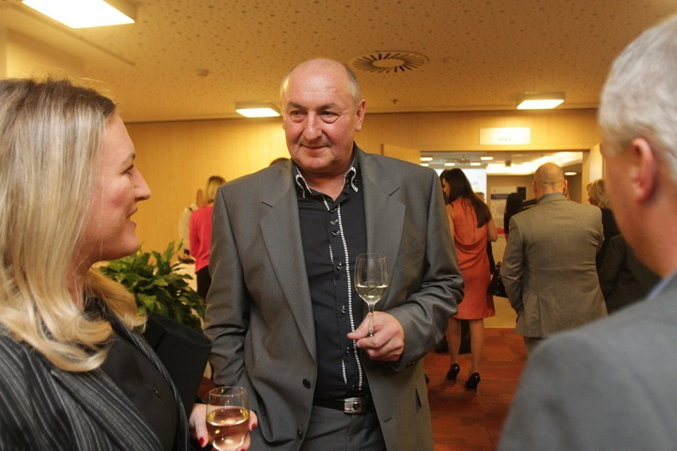Slavnostní večer k ukončení třetího ročníku projektu Chováme se odpovědně. Na snímku je ředitel Jihočeského vodárenského svazu Antonín Princ.