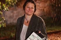 Petra Ptáčková má jasno v tom, že u filmu se chce věnovat výhradně produkci. Jednou si prý zahrála herečku, která neumí hrát, a role jí prý sedla. A tak s hraním skončila.