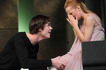 Hlavní roli v Oidipovi dostal Jan Hušek. Na snímku s Teresou Branna v Misantropovi.