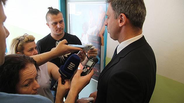 Padla krajská koalice ČSSD, ANO a Jihočechů 2012. Na snímku Jiří Zimola.
