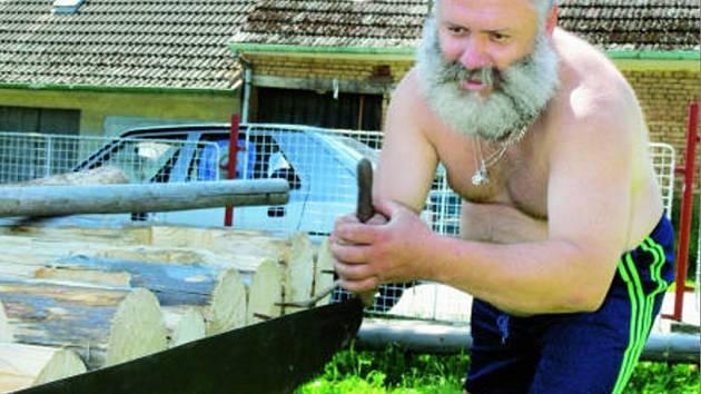 """O víkendu """" se rodila"""" přesná kopie první vorové tabule před  síní voroplavby v Purkarci."""