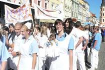 Slavnostní průvod k výročí 65. let trvání SZŠ zdravotnické a 10. let VOŠZ Č. Budějovice.