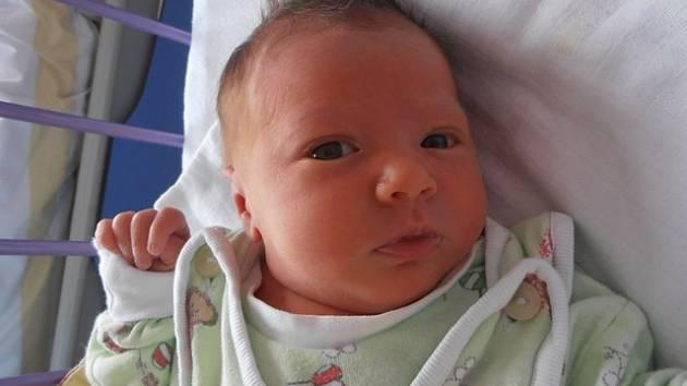 V neděli 25.1.2015 porodila maminka Tereza Macho Švarcová dceru Natálii Machovou. Ta přišla na svět      s porodní váhou 3,60 kg přesně ve 4 hodiny a 26 minut. Doma v Týně nad Vltavou na ně čekal zbytek rodiny Machových – tatínek Lukáš a bráška Lukášek.