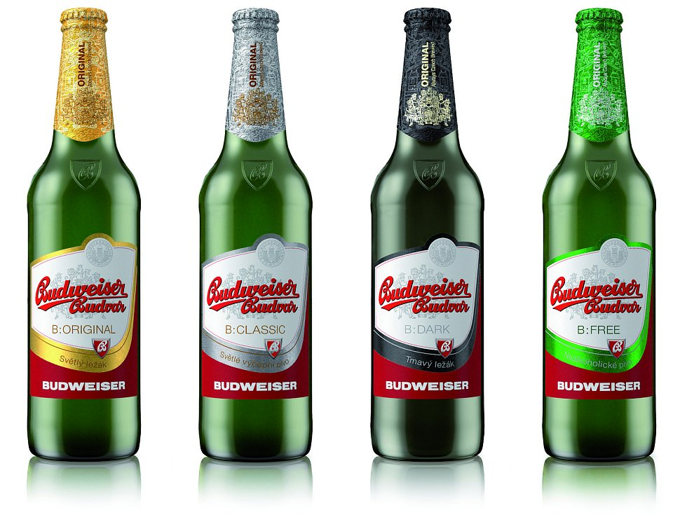 Piva z produkce Budvaru s původními etiketami.