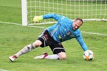 Jaroslav Drobný v Opavě nedochytal, pro zranění v závěru utkání ze hry odstoupil.