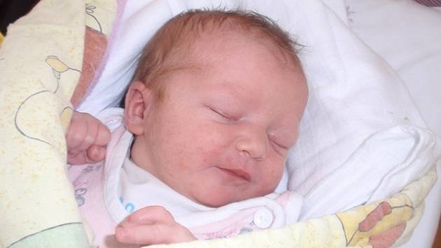 Očekávaný sen se splnil Evě a Petrovi Jánských z Českých Budějovic. 9. dubna ve 12.39 hodin se jim narodila dcerka. Jmenuje se Lucinka, váží 3,24 kg a měří 48 cm.
