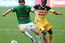 V minlém utkání v Jablonci fotbalisté Dynama prohráli 2:1 (na snímku Hudson stíhá jabloneckého Lafatu), uspějí v sobotu doma se Slováckem?