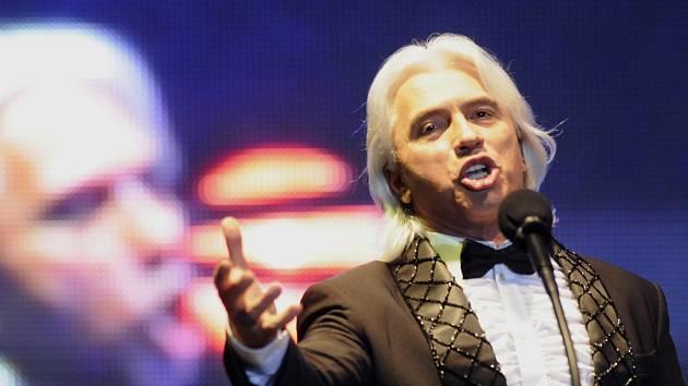Tvář MHF. Hlavní hvězdou Mezinárodního hudebního festivalu v Českém Krumlově je Dmitri Hvorostovsky (49). Celou akci zahájí 20. července v Pivovarské zahradě.