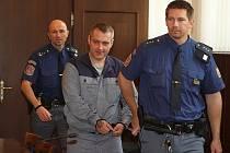 Pavel Záruba ve středu u soudu