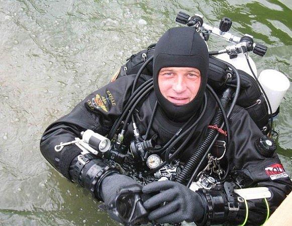 Potopil se pro smrt.