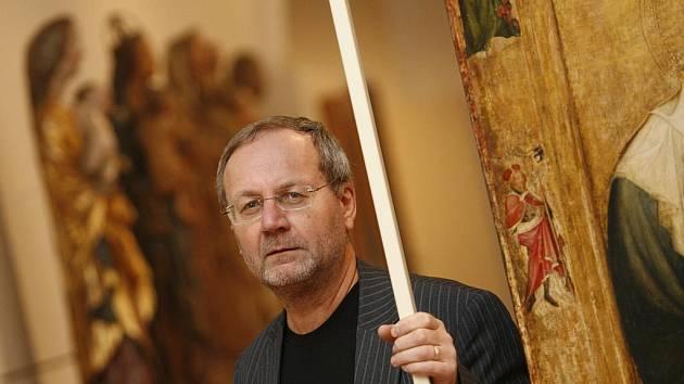 Vlastimil Tetiva, kurátor Alšovy jihočeské galerie, dal podle serveru Artalk.cz razítko znalce na padělek obrazu Františka Kupky.
