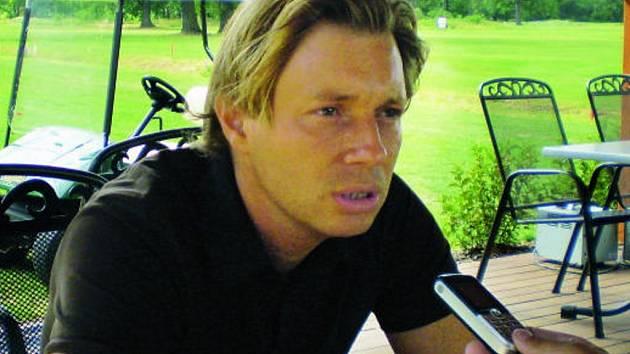 Plné ruce práce měl v sobotu i v neděli  manažer golfového klubu  Hluboká nad Vltavou Antonín Loužek.
