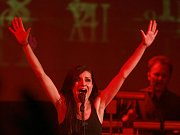 Čtvrteční koncert skupiny Oceán se zpěvačkou Jitkou Charvátovou v českobudějovickém DK Metropol.