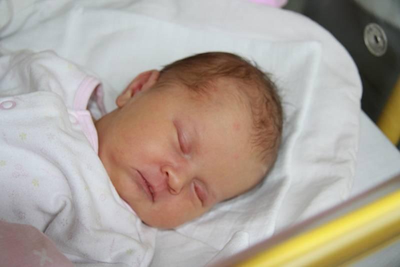 Natálie Veselá z Volar. Holčička se rodičům Lucii a Janovi narodila 24. 9. 2021 v 9.50 h. Při příchodu na svět vážila 3,45 kg. Doma na ni čekal 3,5letý bráška Honzík.