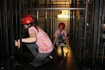 Děti si zkusily práci hasičů nebo policistů i zábavné úkoly. Foto: archiv HZS Jihočeského kraje