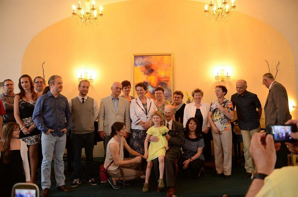 Ladislav Havel, jihočeská legenda, která naučila hrát na housle stovky žáků včetně Pavla Šporcla, slavil 22. května 90. narozeniny. Na snímku při koncertu 16. května 2015, věnovaném jeho jubileu.