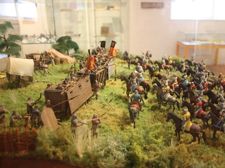 Nový Památník Jana Žižky v Trocnově nabízí 400 exponátů, o vojevůdci přináší i zcela nové informace. Expozici vybudovalo Jihočeské muzeum za 5,5 milionu korun. Lákají například modely husitských bitev.