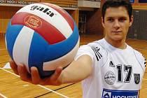 Blokař Štěpán Smrčka  se po zranění vrací do hry.